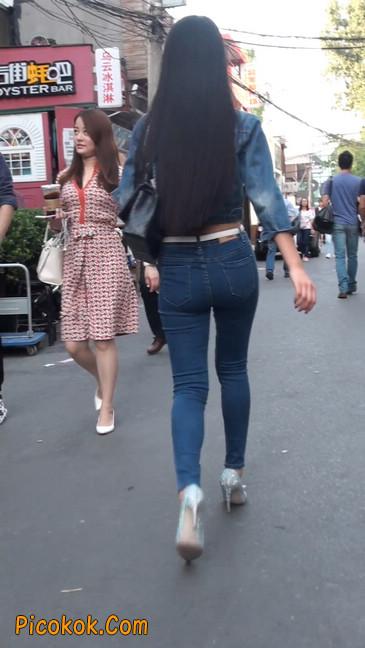 非常漂亮的紧身牛仔裤美女38