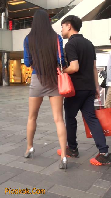 街拍长腿紧身短裙,翘臀气质少妇12