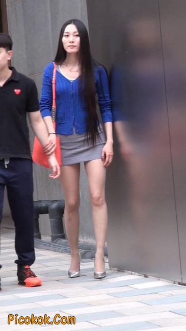 街拍长腿紧身短裙,翘臀气质少妇26