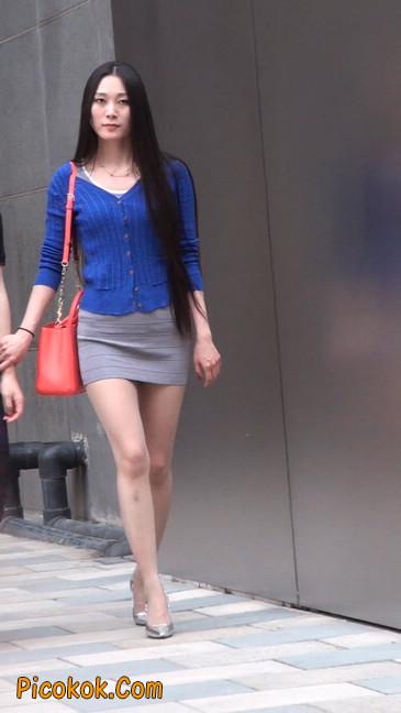 街拍长腿紧身短裙,翘臀气质少妇29