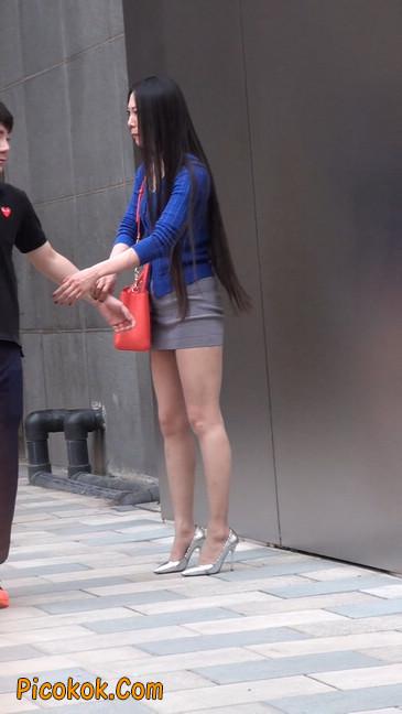 街拍长腿紧身短裙,翘臀气质少妇31