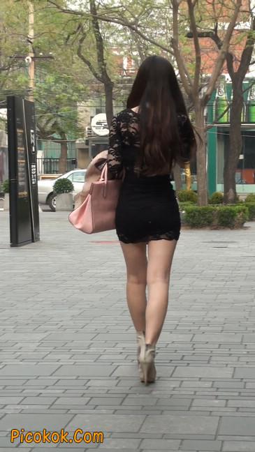 裙子很短的性感美女少妇