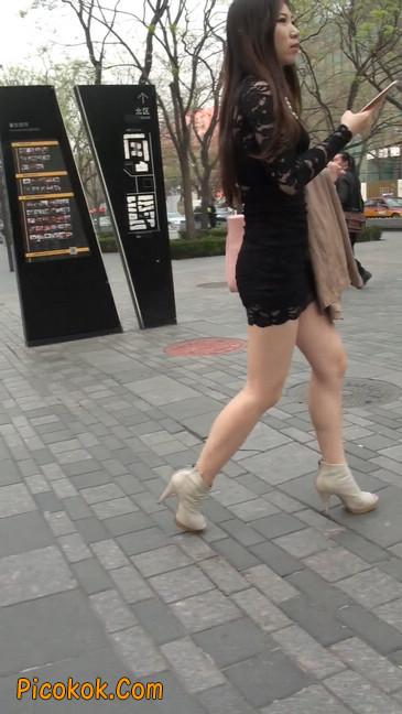 裙子很短的性感美女少妇3