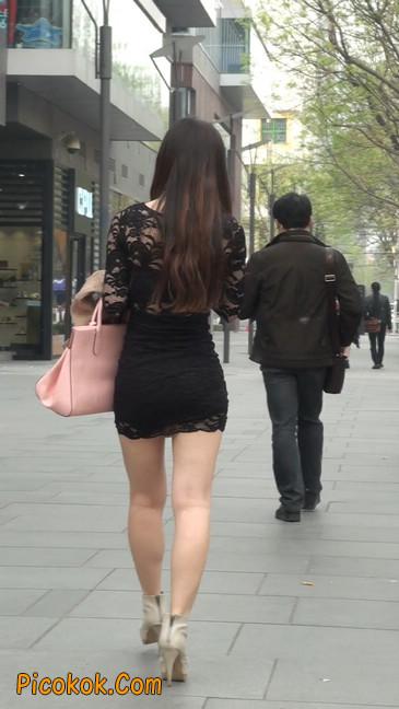 裙子很短的性感美女少妇7