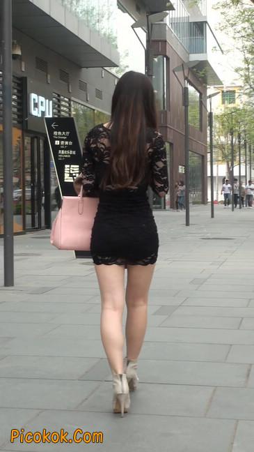 裙子很短的性感美女少妇9