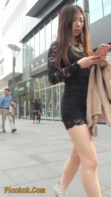 裙子很短的性感美女少妇11