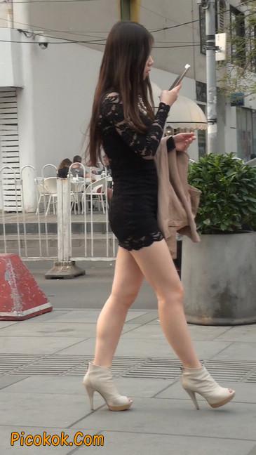 裙子很短的性感美女少妇20