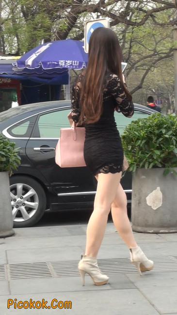 裙子很短的性感美女少妇22