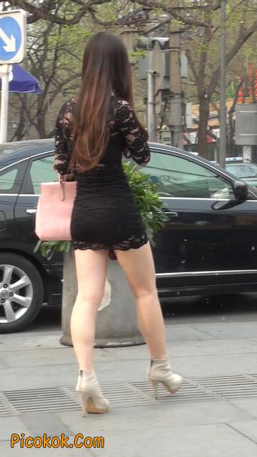 裙子很短的性感美女少妇23