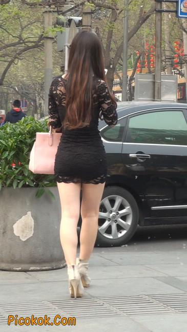 裙子很短的性感美女少妇26
