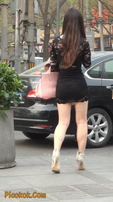 裙子很短的性感美女少妇28