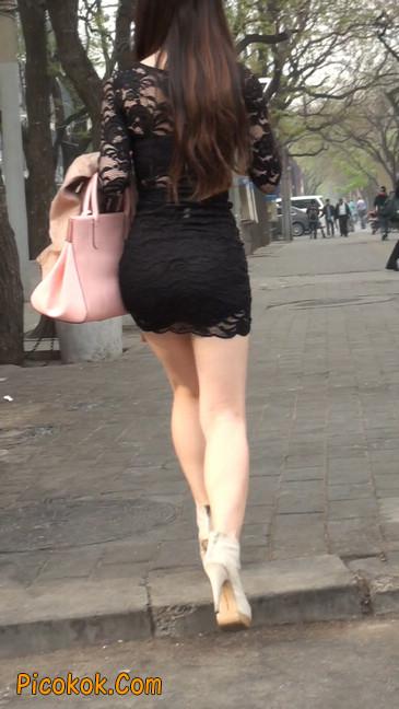 裙子很短的性感美女少妇35