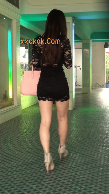 裙子很短的性感美女少妇40