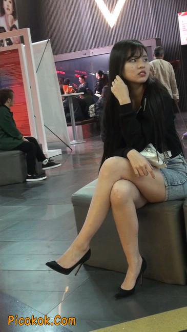 身材超赞的性感牛仔短裙美女16