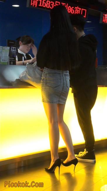 身材超赞的性感牛仔短裙美女52