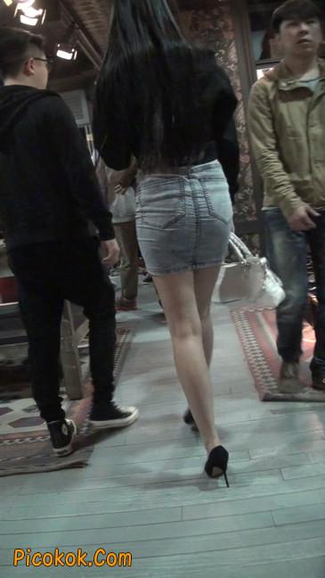 身材超赞的性感牛仔短裙美女63