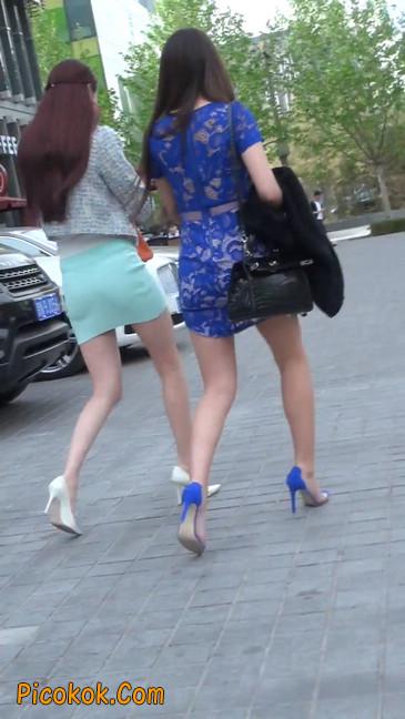 街拍短裙白富美,气质绝佳十分性感迷人26
