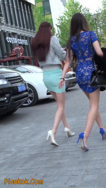 街拍短裙白富美,气质绝佳十分性感迷人27