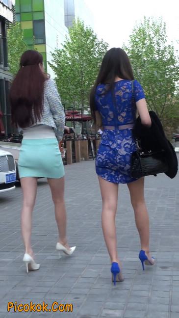 街拍短裙白富美,气质绝佳十分性感迷人33