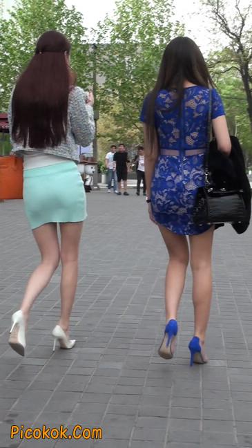 街拍短裙白富美,气质绝佳十分性感迷人39