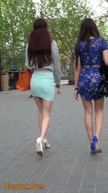 街拍短裙白富美,气质绝佳十分性感迷人45