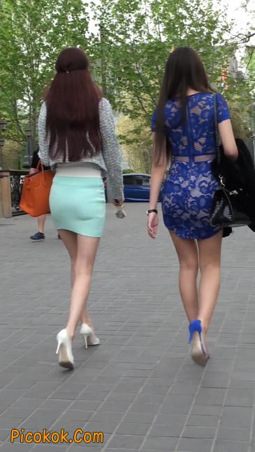 街拍短裙白富美,气质绝佳十分性感迷人47