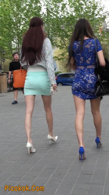 街拍短裙白富美,气质绝佳十分性感迷人48