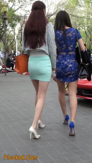 街拍短裙白富美,气质绝佳十分性感迷人57