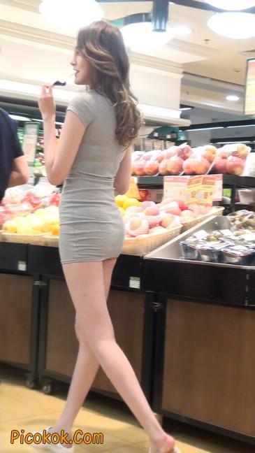 街拍极品超短裙气质网红美女17