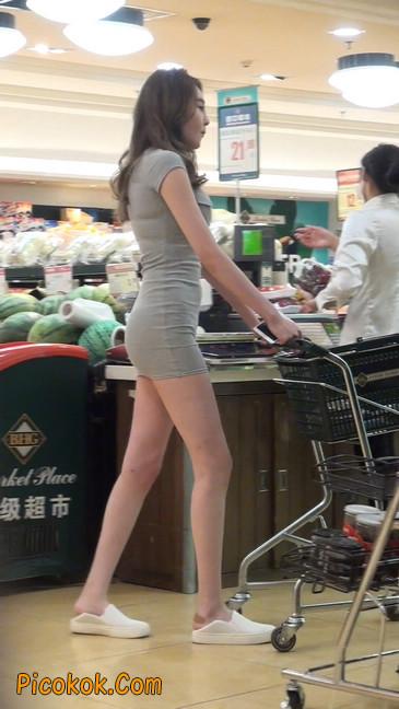 街拍极品超短裙气质网红美女34