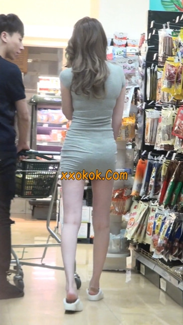 街拍极品超短裙气质网红美女44