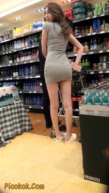 街拍极品超短裙气质网红美女45