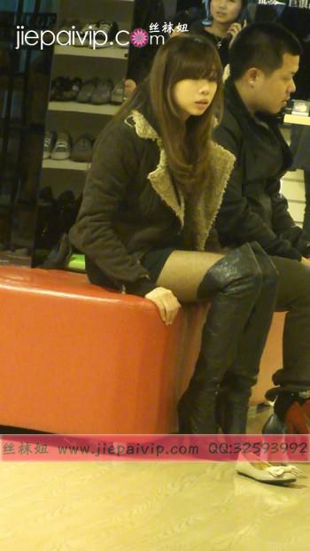 街拍穿长靴子的美女55