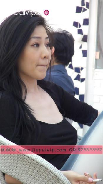 街拍北京街头的极品美女噢9