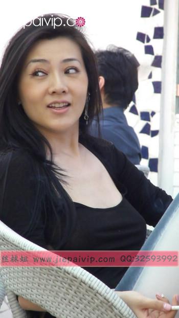街拍北京街头的极品美女噢10