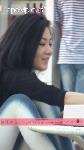 街拍北京街头的极品美女噢11