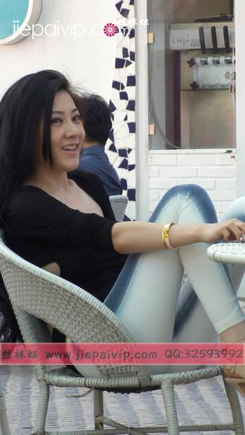 街拍北京街头的极品美女噢16