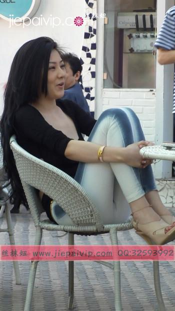 街拍北京街头的极品美女噢19