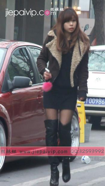 街拍穿长靴子的美女3