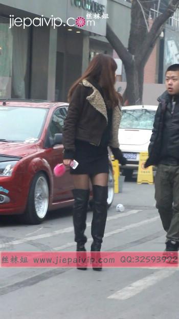 街拍穿长靴子的美女6
