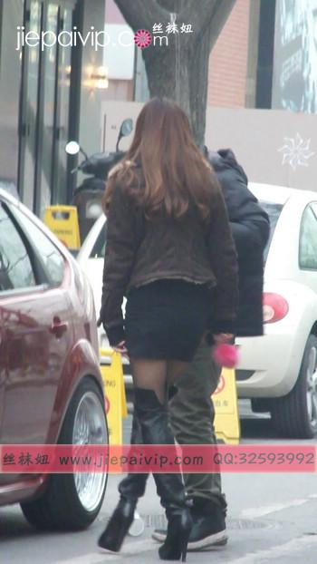 街拍穿长靴子的美女10