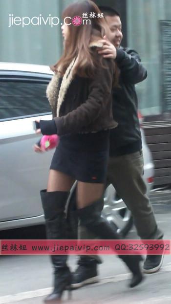 街拍穿长靴子的美女12