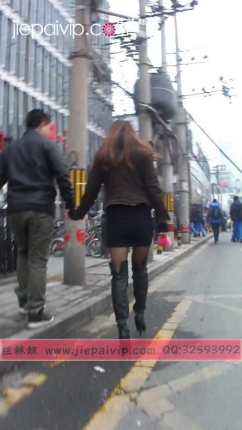 街拍穿长靴子的美女14