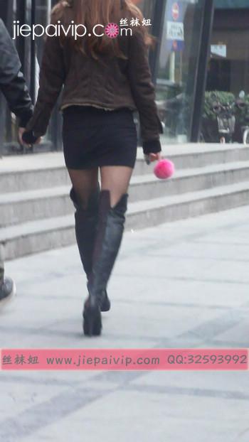 街拍穿长靴子的美女17