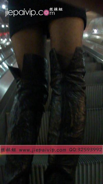 街拍穿长靴子的美女20