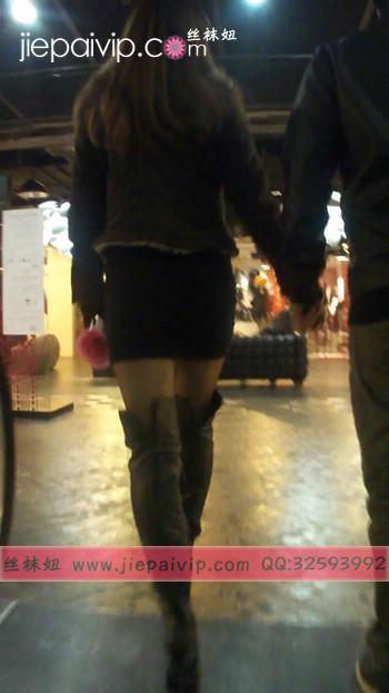 街拍穿长靴子的美女24