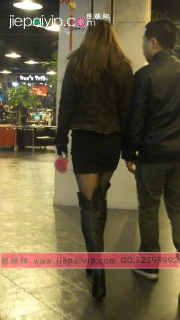 街拍穿长靴子的美女25