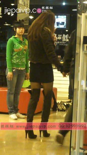 街拍穿长靴子的美女30