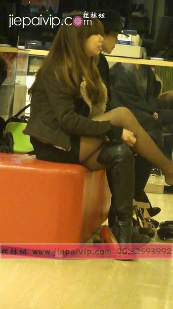街拍穿长靴子的美女34