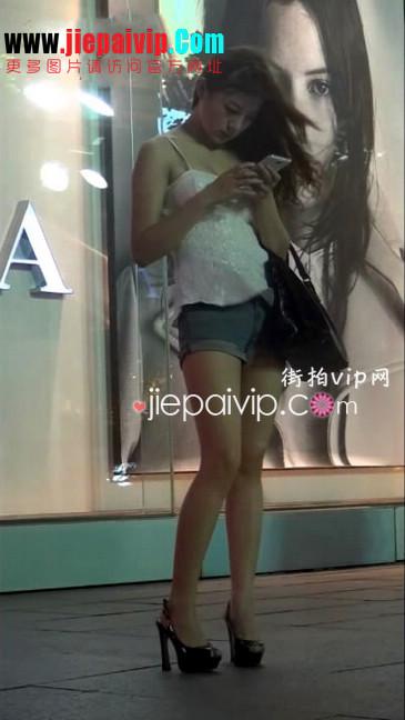 街拍视频,牛仔热裤,细高跟鞋19